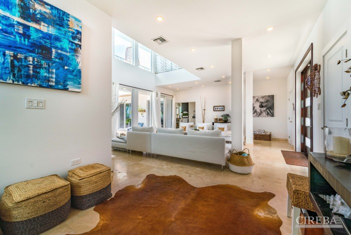 West Point Villa In Crystal Harbour - Image 1
