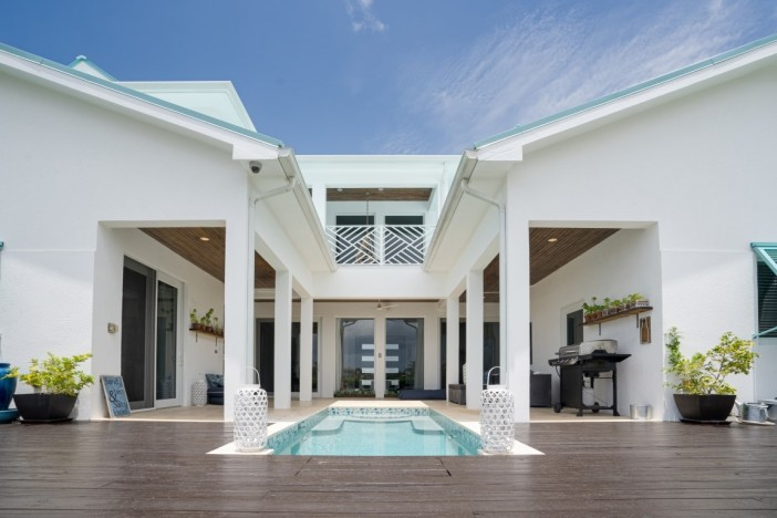 WEST POINT VILLA - CRYSTAL HARBOUR EXECUTIVE WATERFRONT RESIDENCE - Image 12